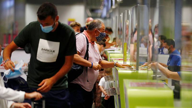 Los turistas británicos, desconcertados tras la imposición de la cuarentena