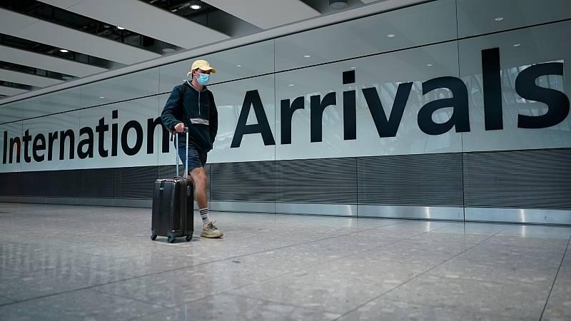 Malestar en el Reino Unido por la cuarentena obligatoria