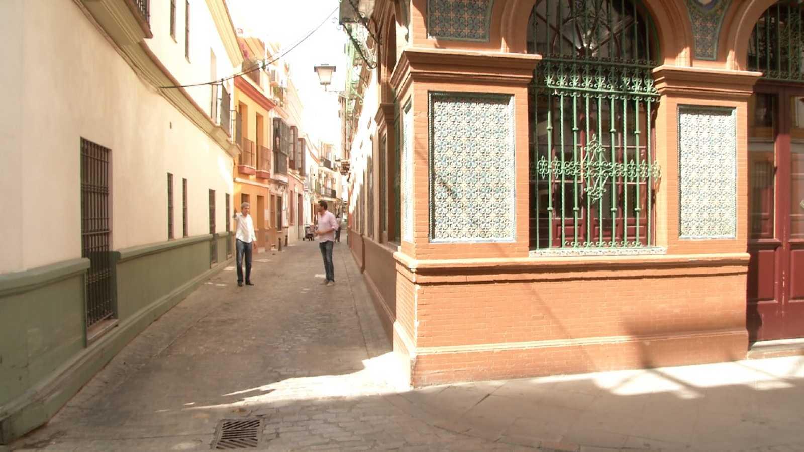 Aquí la Tierra - Paseo por Sevilla con el actor Antonio Dechent: nos cuenta la historia de Triana