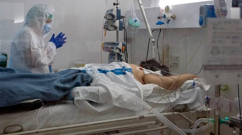 Cataluña registra 22 muertos y 870 casos confirmados por la COVID-19 en las últimas 24 horas