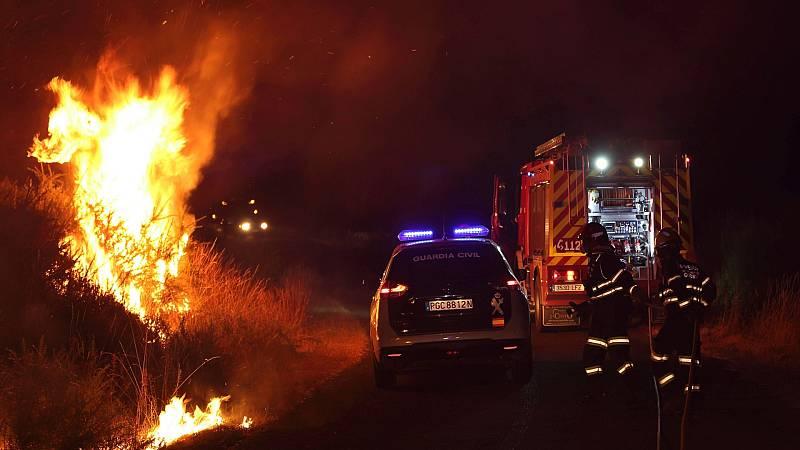 El fuego de Cualedro (Ourense) supera las 1.000 hectáreas y se convierte en el más grande del verano