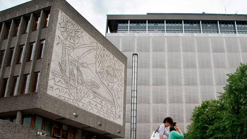 Dos murales de Picasso en Noruega se guardarán en un almacén durante cinco años por unas obras