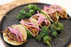 Tacos de cochinita ibérica