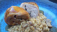 Receta de lechón con falso risotto de trigo y hongos