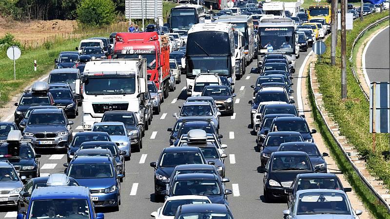 Los europeos se lanzan a la carretera para disfrutar de unas vacaciones marcadas por el coronavirus