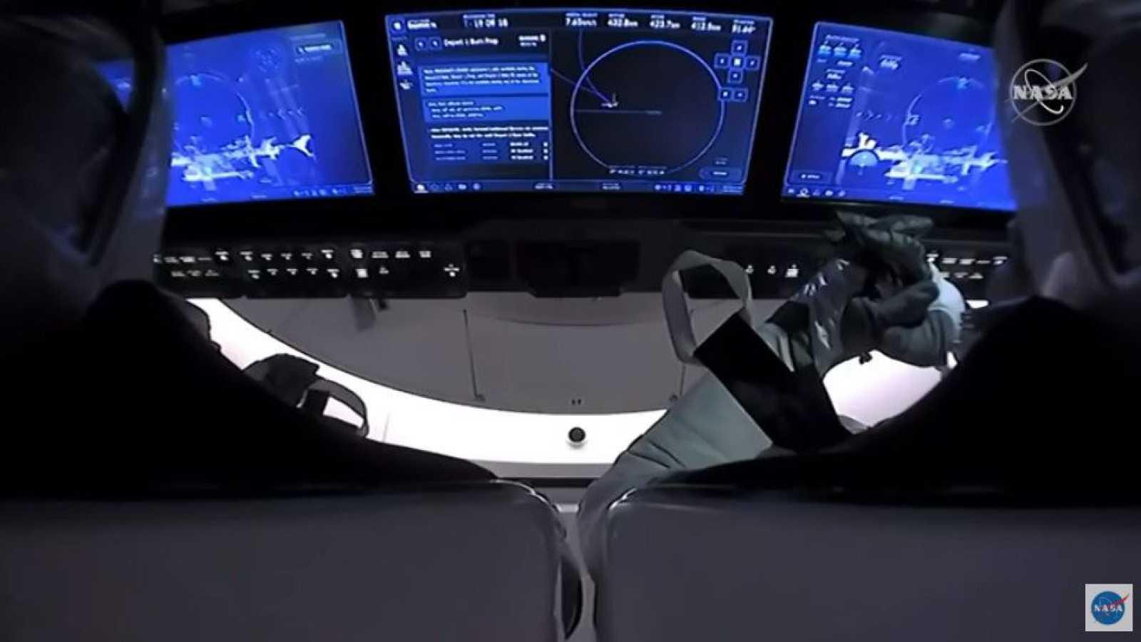 La nave de SpaceX viaja rumbo a la Tierra tras dos meses anclada a la Estación Espacial Internacional