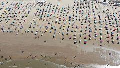 El coronavirus cambia la imagen de las playas españolas en agosto