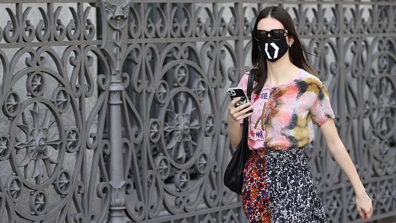 Mascarillas de diseño, un salvavidas económico para muchas marcas de moda