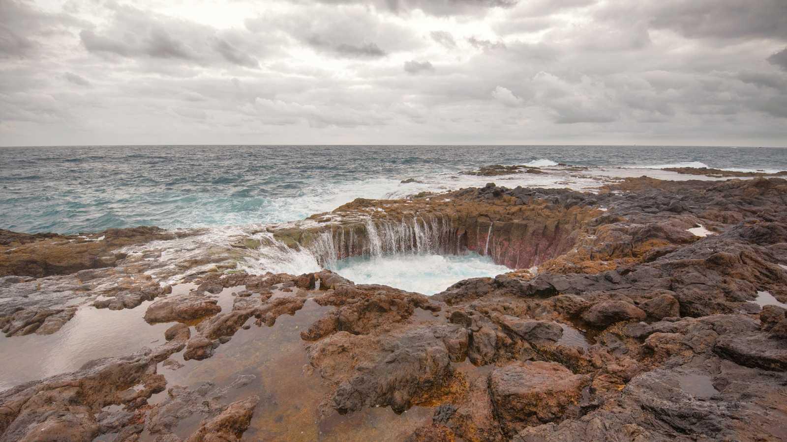 Intervalos de viento fuerte en el Ampurdán y Canarias - Ver ahora