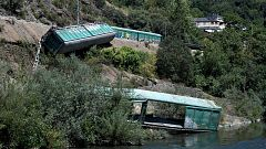 Adif se enfrenta a sanciones por la caída de vagones de un tren descarrilado al río Sil