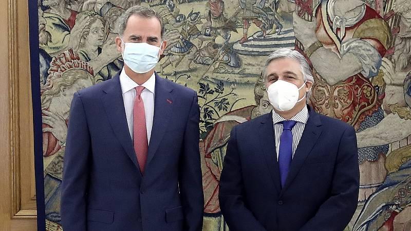 Felipe VI reaparece en público tras la marcha de España del rey emérito