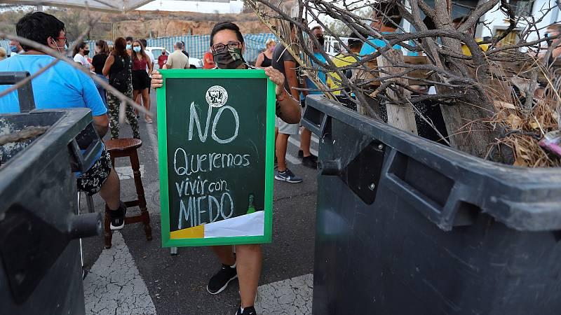 Vecinos de Tunte, en Gran Canaria, levantan barricadas contra la llegada de migrantes en cuarentena