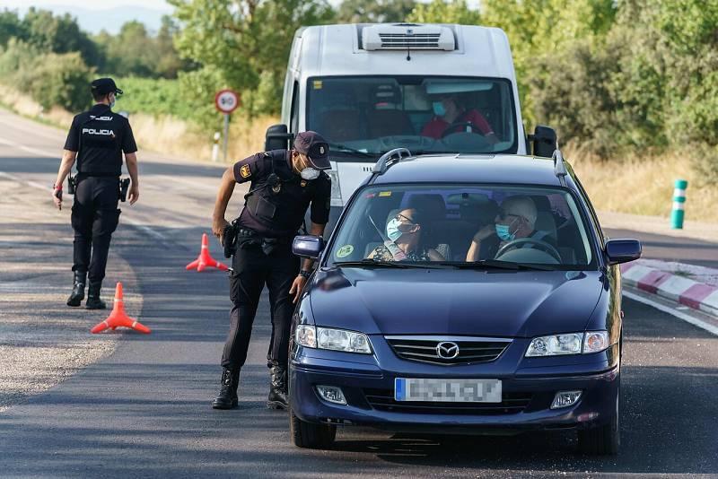 La localidad burgalesa de Aranda de Duero vuelve este viernes al confinamiento entre controles y nuevos contagios