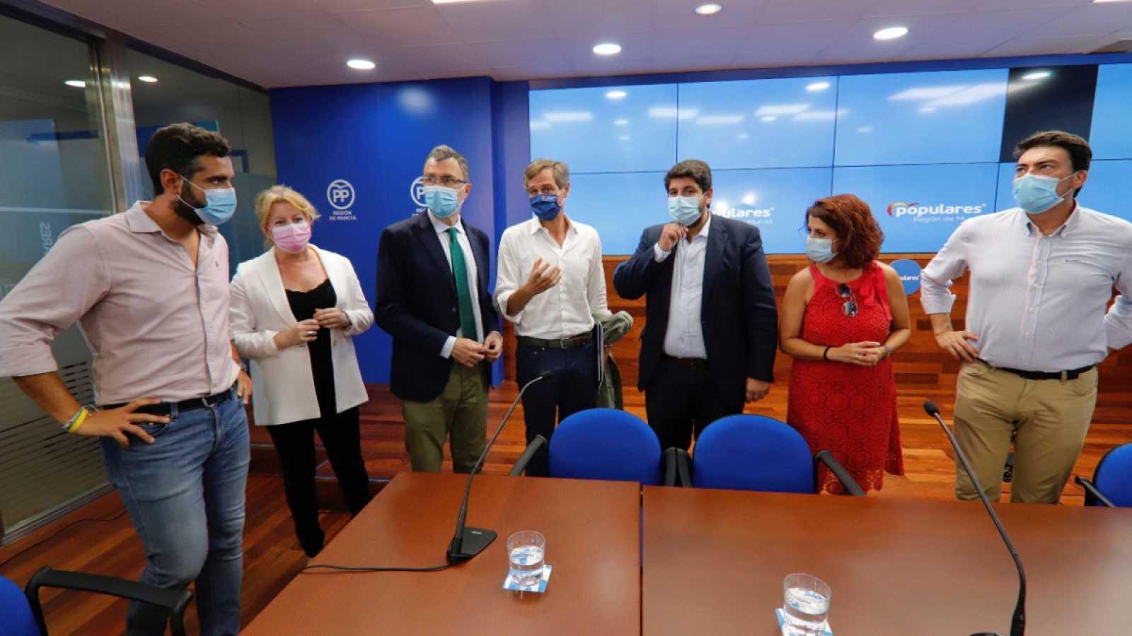 Diez alcaldes de ocho partidos pactan un documento contra el acuerdo de Hacienda y la FEMP