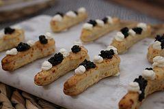 Cucharitas de crème fraîche y caviar