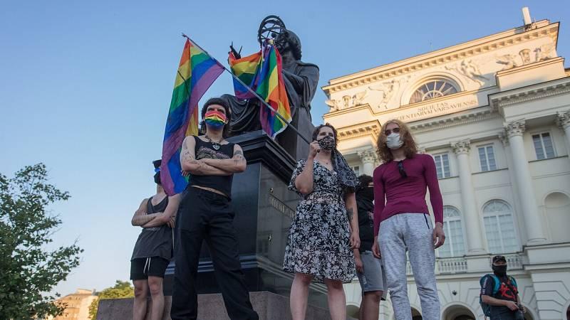 Homofobia y discriminación: el colectivo LGTBI polaco se enfrenta a tiempos difíciles ante el nuevo mandato de Duda