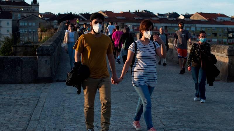 A Coruña cierra el ocio nocturno y prohíbe las visitas a residencias ante el aumento de contagios
