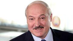 Los sondeos a pie de urna otorgan un sexto mandato al presidente de Bielorrusia, Alexandr Lukashenko