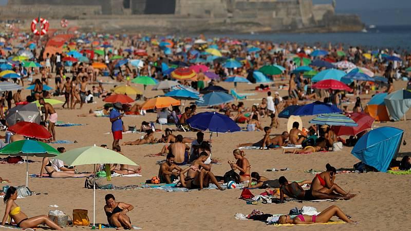 El sector turístico portugués intenta resistir el verano ante la menor llegada de extranjeros