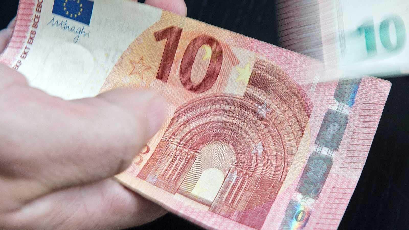¿Cómo detectar los billetes falsos?