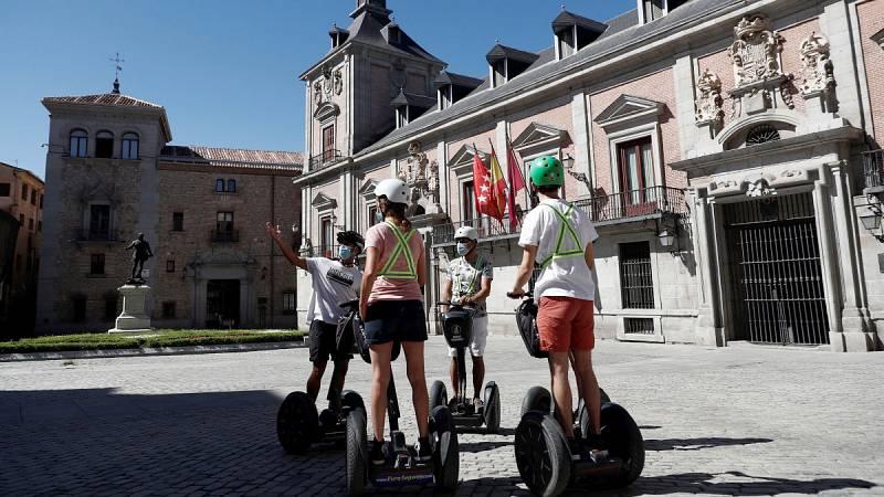 Ciudades vacías y sin turistas: los rebrotes de COVID-19 amenazan al sector en agosto