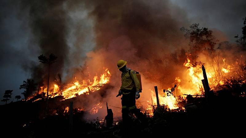 Los incendios vuelven a arrasar la Amazonía mientras Bolsonaro lo niega