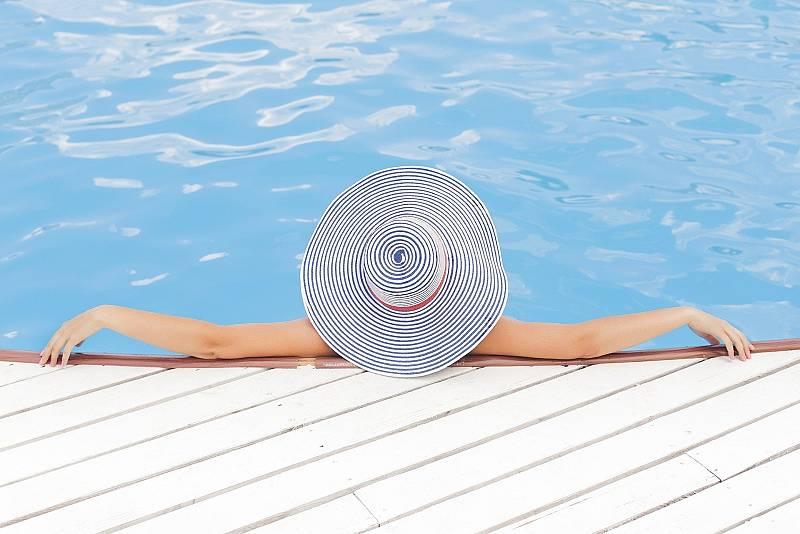 Los hoteles de Madrid abren sus piscinas de altura al público
