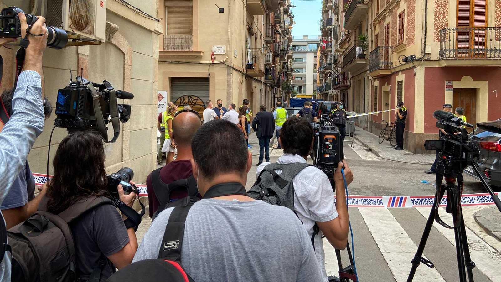 Tres muertos y un herido grave en el incendio en el barrio barcelonés de la Barceloneta