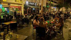 Sanidad cierra las discotecas y prohíbe fumar en espacios públicos sin distancia
