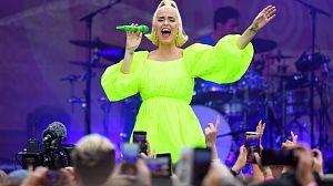 Katy Perry estrena el videoclip del sencillo 'Smile', que dará título a su nuevo álbum