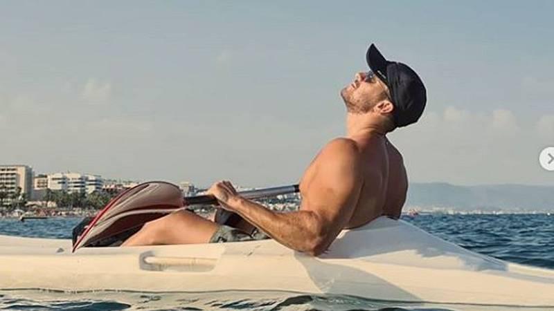 Corazón - Pablo Alborán, sensual y relajado en las playas de Torremolinos
