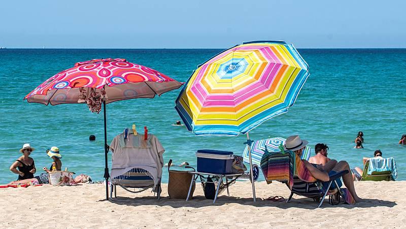 Crece la incidencia del coronavirus en regiones turísticas como Murcia o Baleares