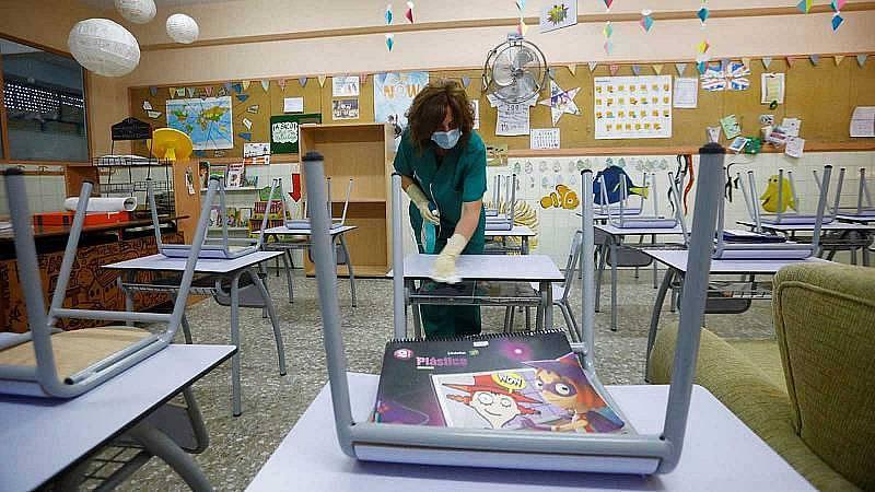 Los expertos analizan si es seguro o no volver a las aulas