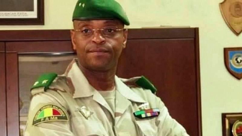 La comunidad internacional condena el golpe de Estado en Mali mientras la calle lo celebra