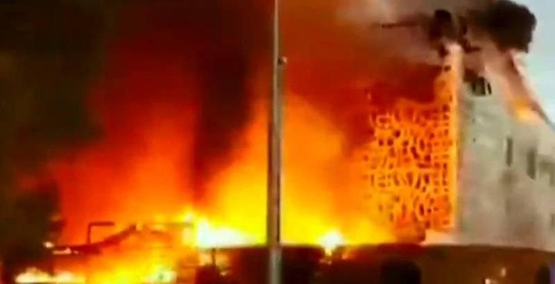 Un fallecido y nueve heridos en el incendio de un hotel en Marbella