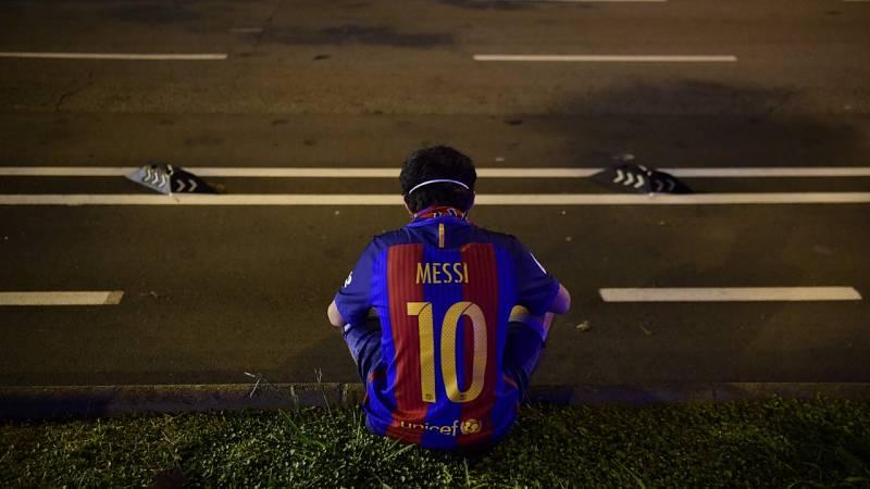 La relación de Messi con el Barça cae en papel mojado