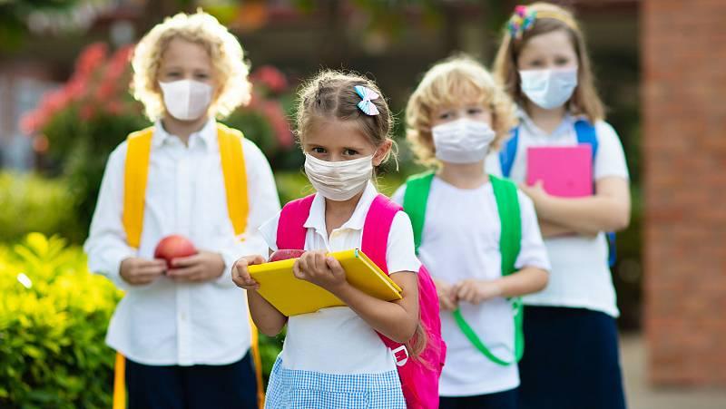 Los centros escolares estarán abiertos todo el curso y la mascarilla será obligatoria a partir de los seis años