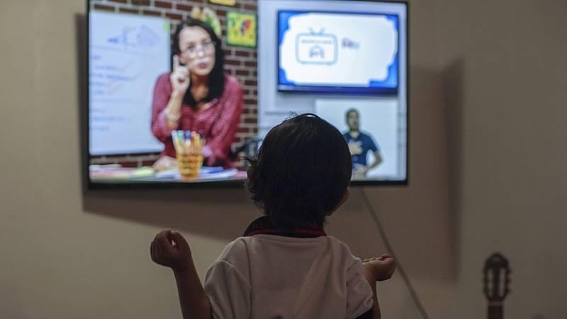 Los alumnos mexicanos recibirán clases por televisión debido a la pandemia