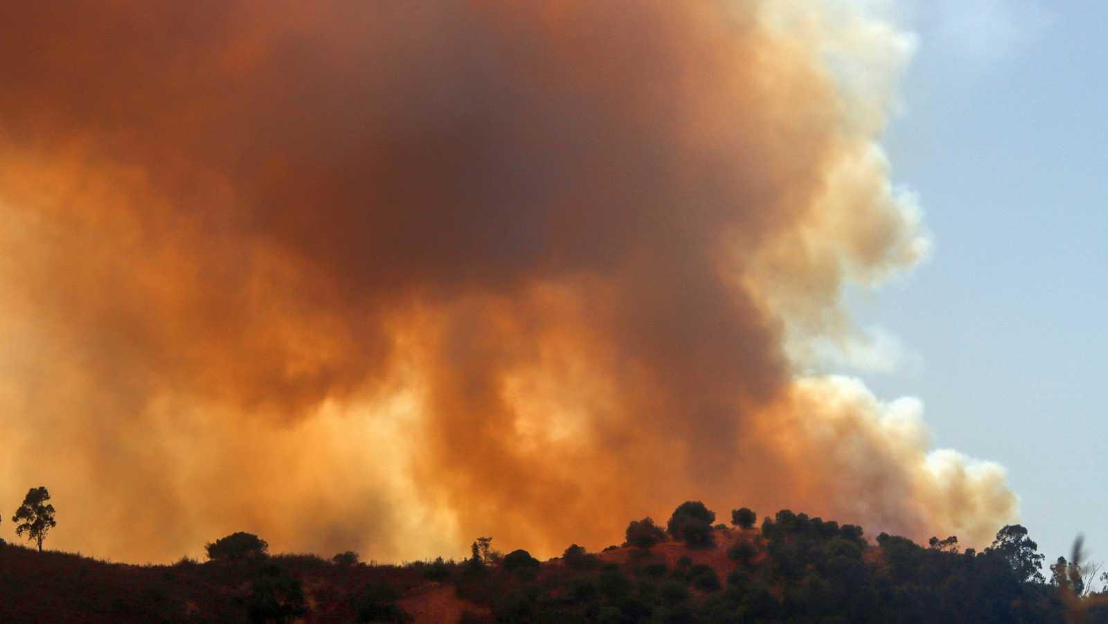 El incendio de Huelva continúa activo y deja 200 personas evacuadas