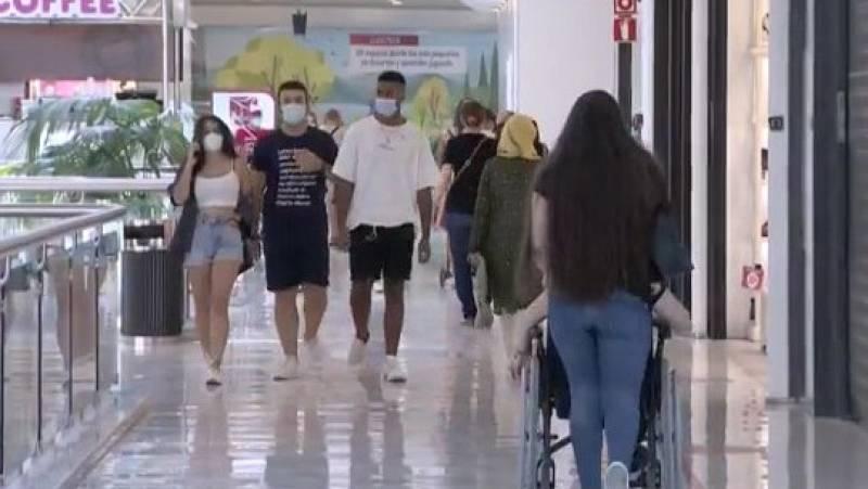 Los centros comerciales no recuperan la cifra de visitantes previa a la pandemia