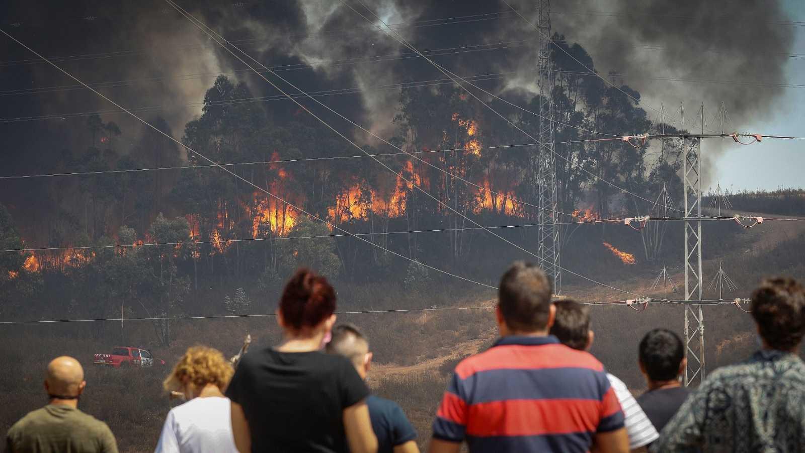 El incendio de Huelva sigue sin control y con más de 3.000 desalojados