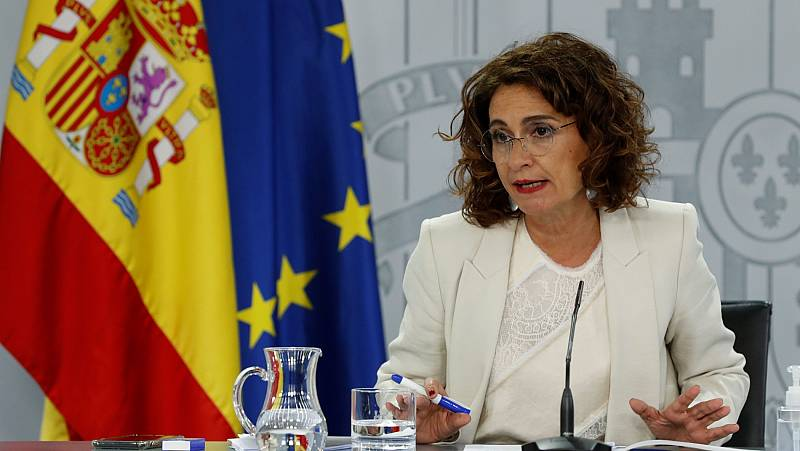 """Montero: """"Hoy mismo voy a aprobar el reparto a las autonomías de los 2.000 millones para educación"""""""