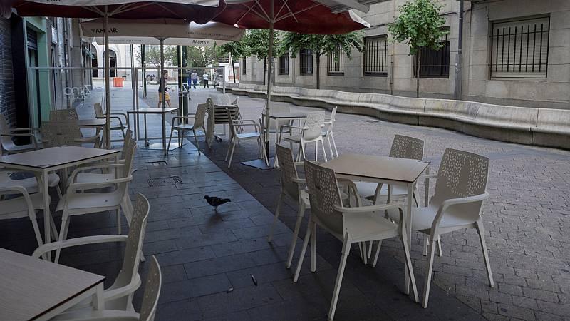 Andalucía y Castilla y León endurecen las restricciones para frenar los contagios