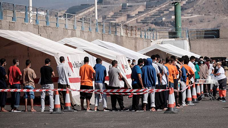 Canarias registra cuatro brotes de coronavirus en centros de acogida de migrantes