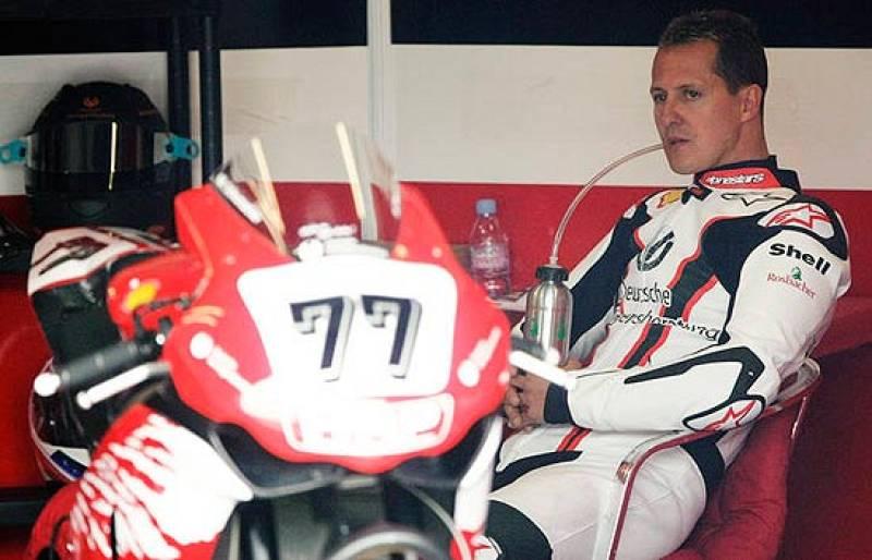 """Schumacher se encuentra """"muy frustrado y triste"""" por no poder competir en Valencia a causa de la lesión que sufrió al caerse de una moto."""