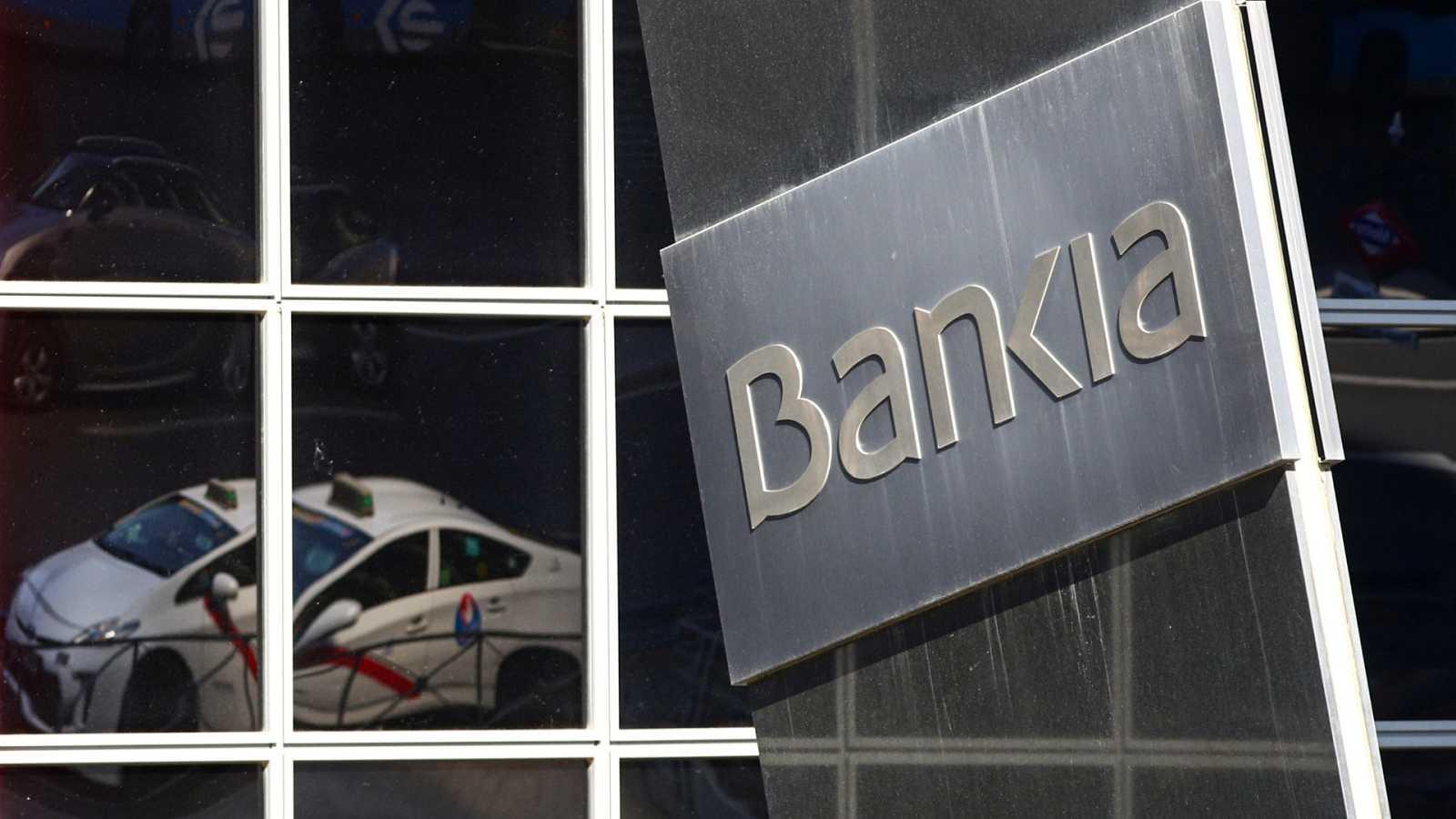 """Podemos ve """"preocupante"""" la fusión de CaixaBank y Bankia"""
