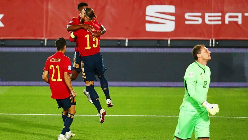Imagen: Sergio Ramos convierte un penalti comentido sobre Ansu Fati (España 1-0 Ucrania)