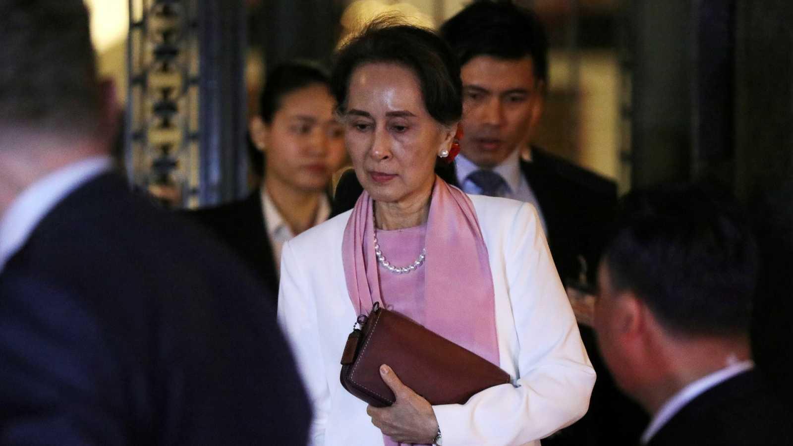La Eurocámara retira el Sájarov a Aung San Suu Kyi