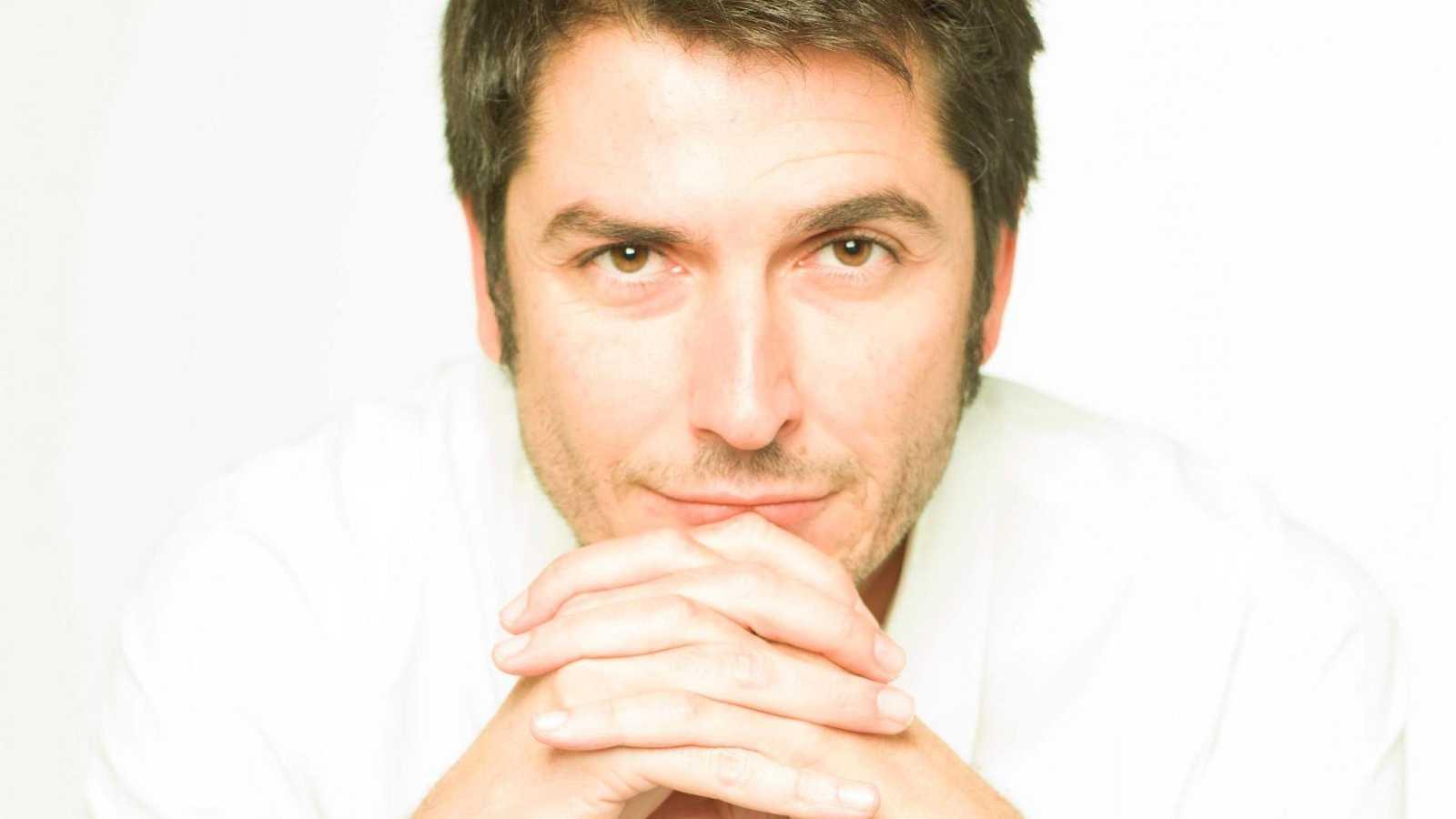 Carlos del Amor, premio Espasa 2020 por su ensayo 'Emocionarte. La doble vida de los cuadros'