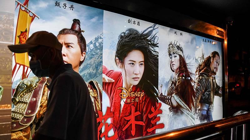 'Mulan' se estrena en China entre acusaciones de ser una película cercana al régimen comunista